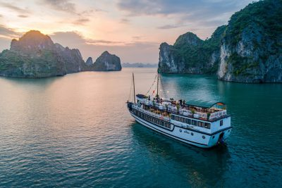tour du thuyen ha long swan
